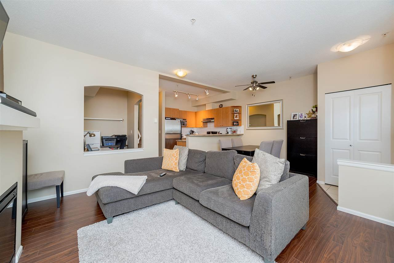 """Photo 8: Photos: 81 7503 18TH Street in Burnaby: Edmonds BE Condo for sale in """"SOUTHBOROUGH"""" (Burnaby East)  : MLS®# R2249263"""