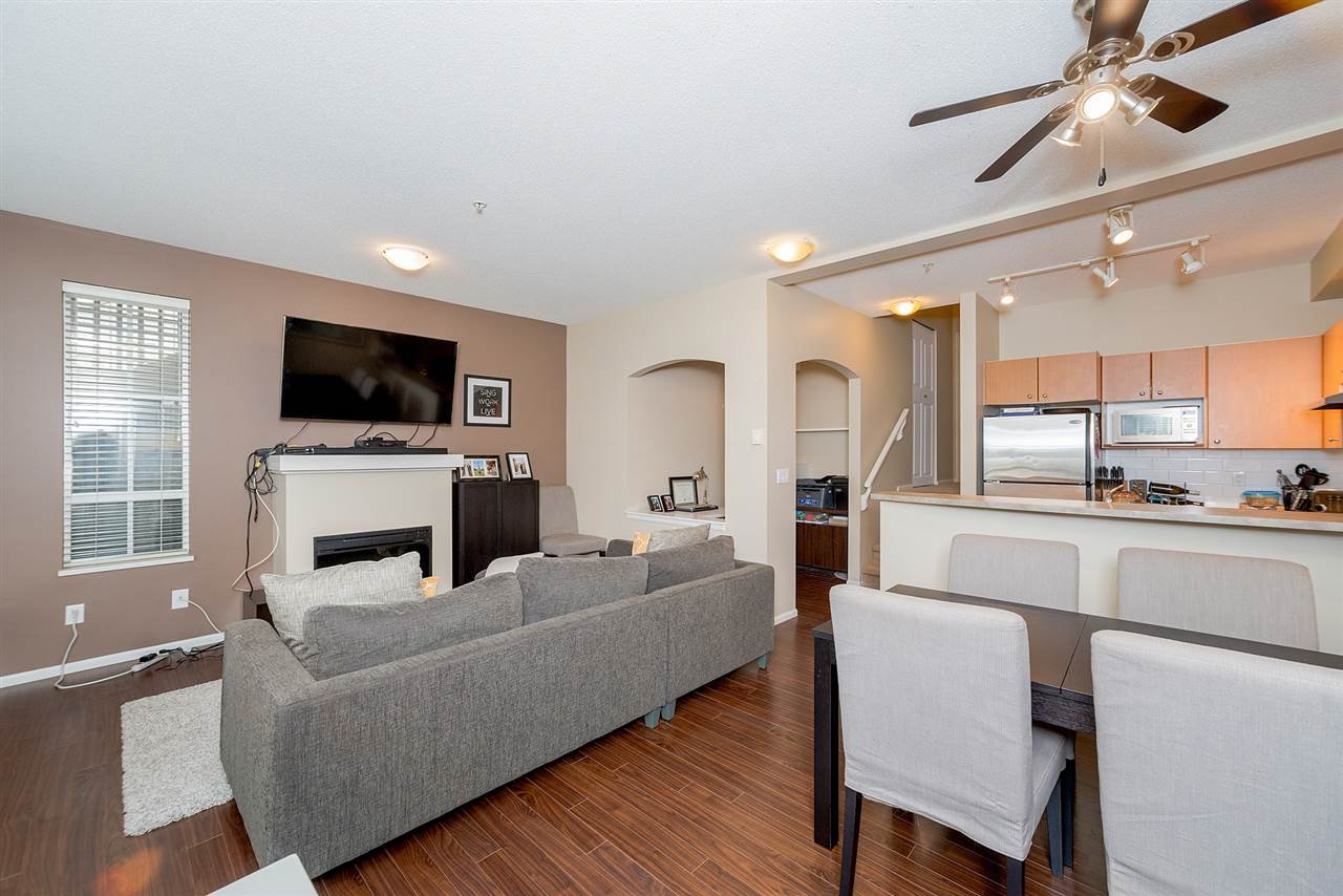 """Photo 7: Photos: 81 7503 18TH Street in Burnaby: Edmonds BE Condo for sale in """"SOUTHBOROUGH"""" (Burnaby East)  : MLS®# R2249263"""