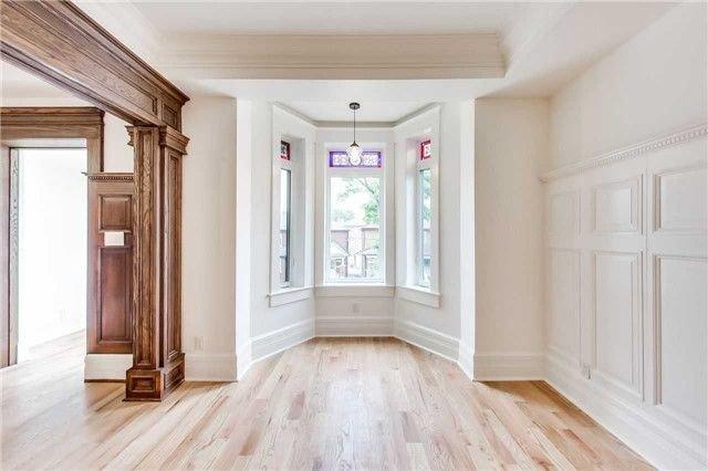 Main Photo: 2 10 Sylvan Avenue in Toronto: Dufferin Grove House (3-Storey) for lease (Toronto C01)  : MLS®# C4181982