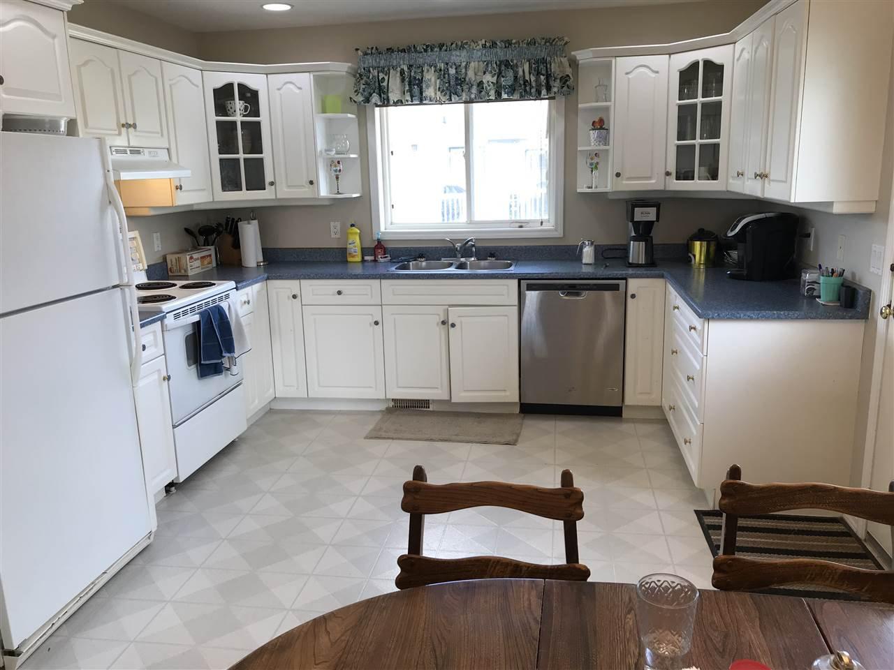 Photo 2: Photos: 10520 89 Street in Fort St. John: Fort St. John - City NE House for sale (Fort St. John (Zone 60))  : MLS®# R2362521