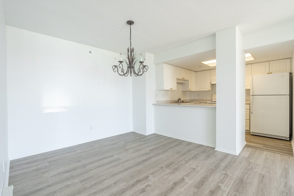 """Photo 6: Photos: 904 719 PRINCESS Street in New Westminster: Uptown NW Condo for sale in """"Stirling Place"""" : MLS®# R2380335"""