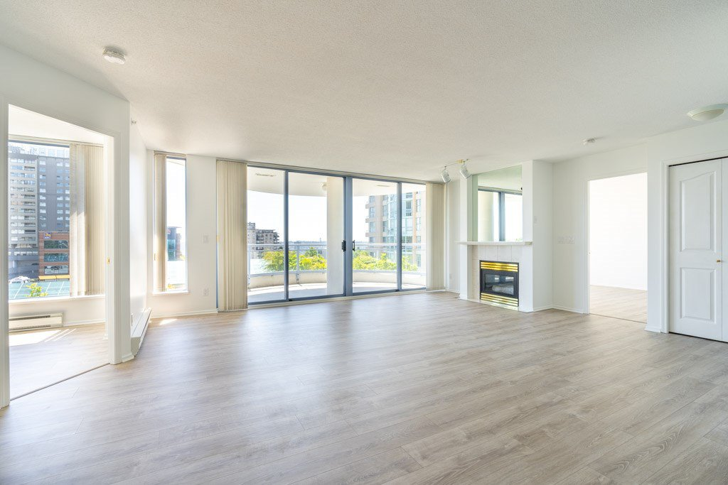 """Photo 5: Photos: 904 719 PRINCESS Street in New Westminster: Uptown NW Condo for sale in """"Stirling Place"""" : MLS®# R2380335"""