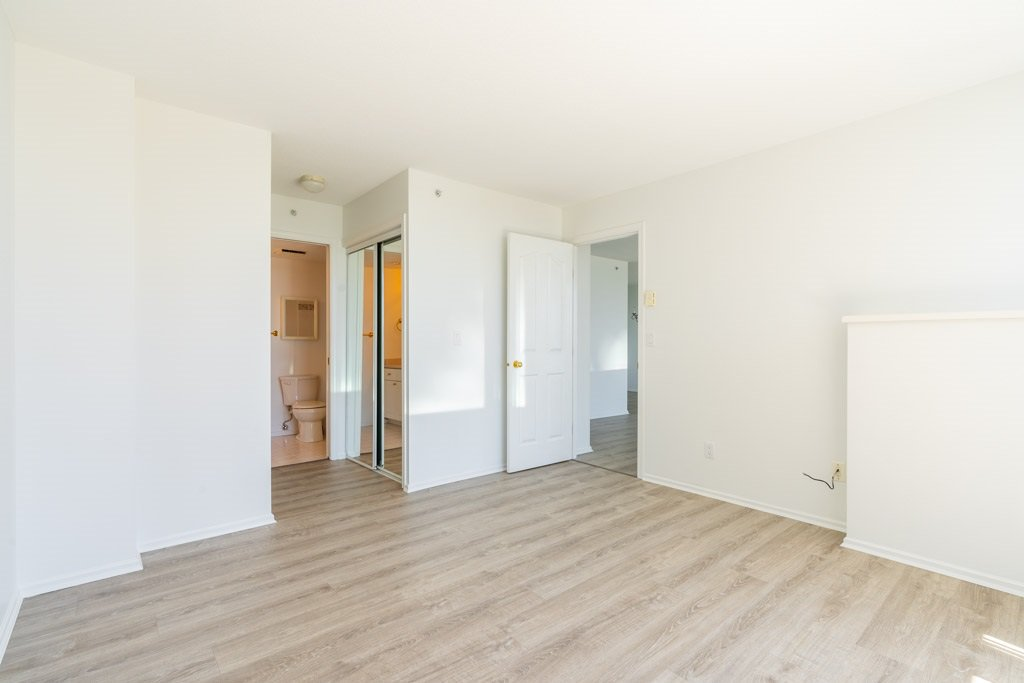 """Photo 15: Photos: 904 719 PRINCESS Street in New Westminster: Uptown NW Condo for sale in """"Stirling Place"""" : MLS®# R2380335"""