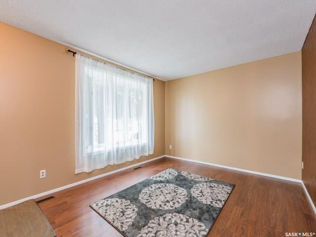 Photo 7: Photos: 1627 Vickies Avenue in Saskatoon: Forest Grove Residential for sale : MLS®# SK788003