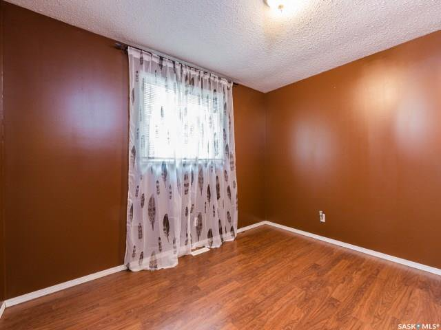 Photo 8: Photos: 1627 Vickies Avenue in Saskatoon: Forest Grove Residential for sale : MLS®# SK788003