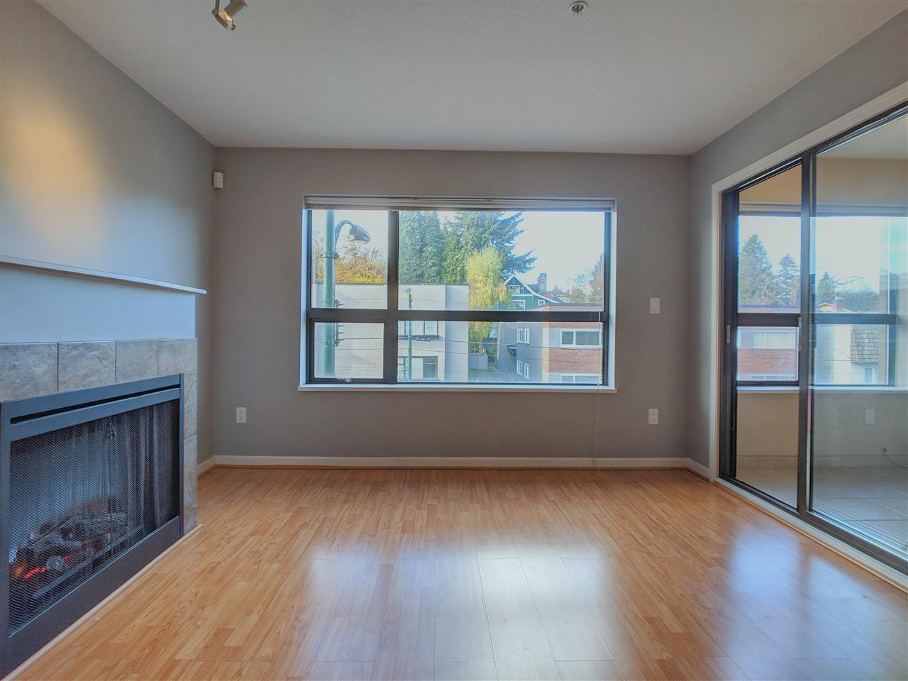 Main Photo: 410 997 W 22 AVENUE in Vancouver: Cambie Condo for sale (Vancouver West)  : MLS®# R2336421
