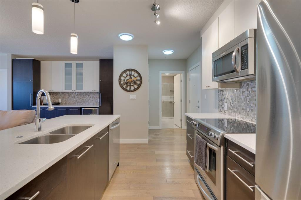 Main Photo: 312 836 Royal Avenue SW in Calgary: Lower Mount Royal Apartment for sale : MLS®# A1052215