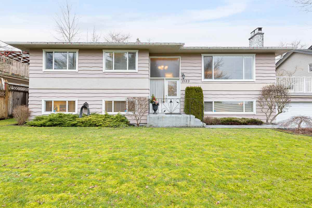 Main Photo: 1123 THOMAS Avenue in Coquitlam: Maillardville House for sale : MLS®# R2528247