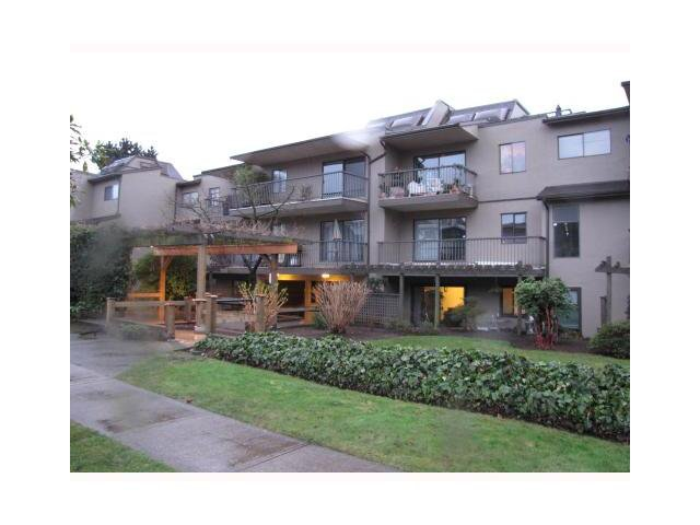 "Main Photo: 110 251 W 4TH Street in North Vancouver: Lower Lonsdale Condo for sale in ""BRITANNIA PLACE"" : MLS®# V921082"
