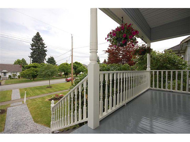 "Photo 3: Photos: 840 5TH Street in New Westminster: GlenBrooke North House for sale in ""GLENBROOKE NORTH"" : MLS®# V925961"