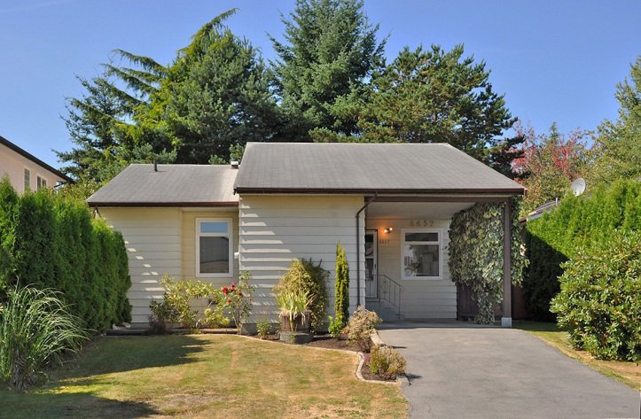 Main Photo: 6657 133B Street in Surrey: West Newton House for sale : MLS®# F1222069