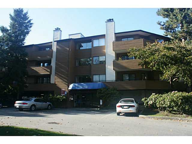 "Main Photo: 149 7293 MOFFATT Road in Richmond: Brighouse South Condo for sale in ""DORCHESTER CIRCLE"" : MLS®# V1029838"