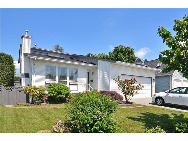 Main Photo: 18963 118B Avenue in Pitt Meadows: Central Meadows House for sale : MLS®# V1069515