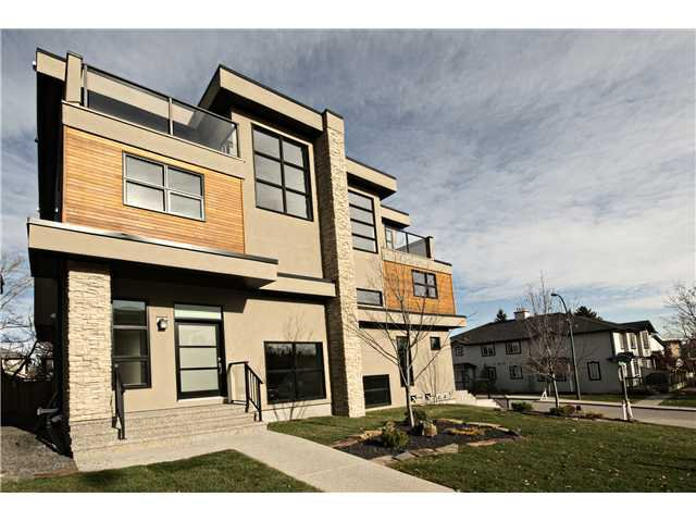 Main Photo: 1904 27 Avenue SW in Calgary: South Calgary Residential Attached for sale : MLS®# C3642709