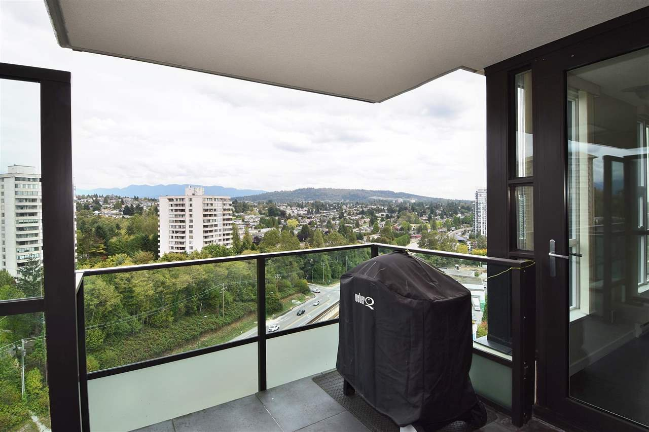 "Main Photo: 1901 2200 DOUGLAS Road in Burnaby: Brentwood Park Condo for sale in ""AFFINITY"" (Burnaby North)  : MLS®# R2002231"