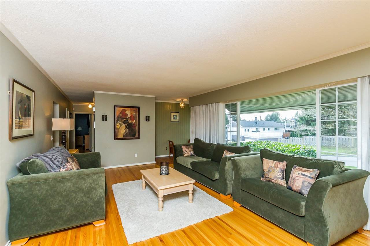 """Photo 15: Photos: 2105 CARMEN Place in Port Coquitlam: Mary Hill House for sale in """"MARY HILL"""" : MLS®# R2046927"""