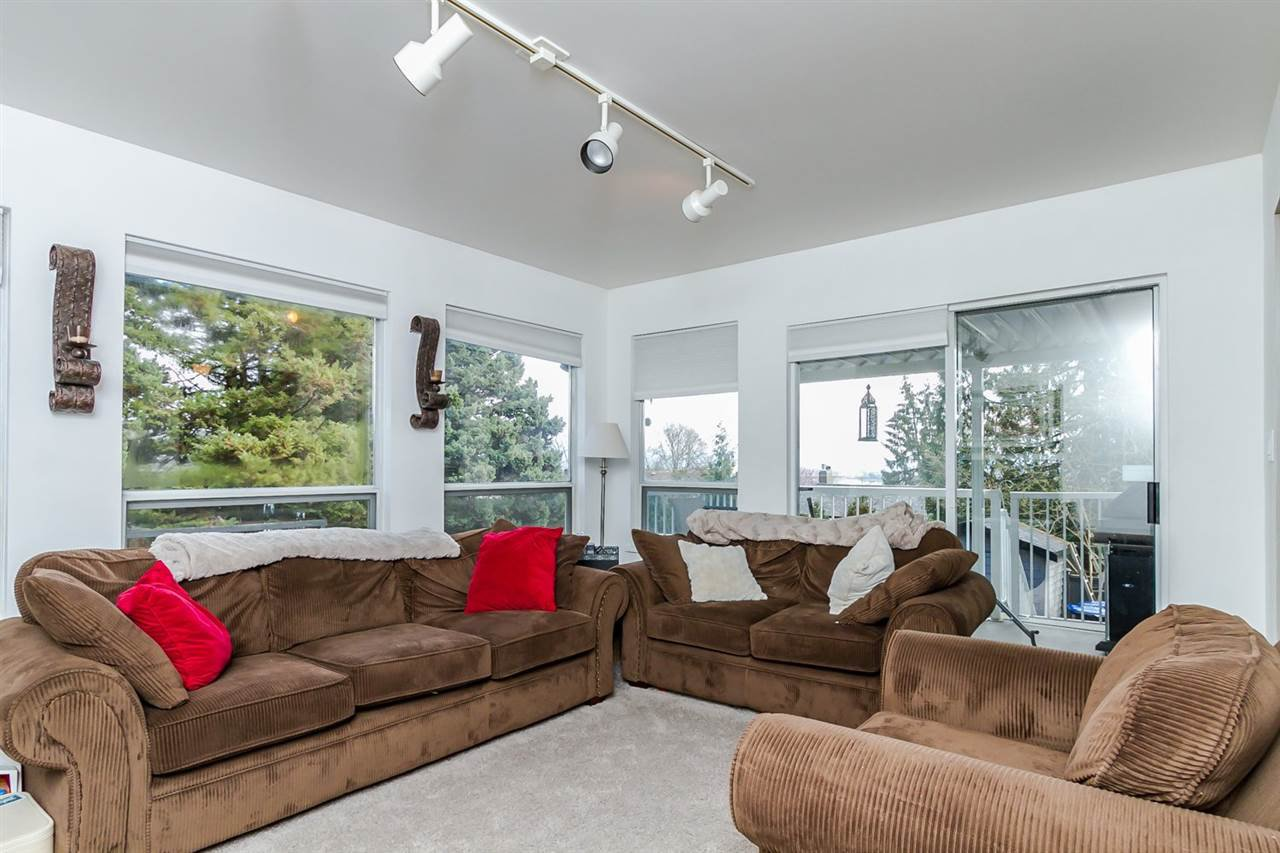 """Photo 6: Photos: 2105 CARMEN Place in Port Coquitlam: Mary Hill House for sale in """"MARY HILL"""" : MLS®# R2046927"""