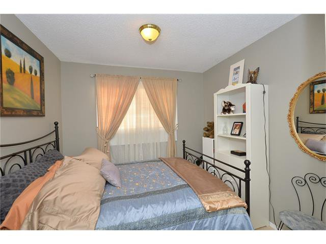Photo 29: Photos: 10 GLENPATRICK Crescent: Cochrane House for sale : MLS®# C4094257