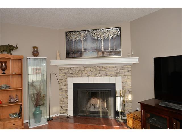 Photo 9: Photos: 10 GLENPATRICK Crescent: Cochrane House for sale : MLS®# C4094257