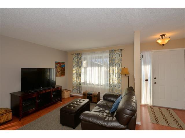 Photo 6: Photos: 10 GLENPATRICK Crescent: Cochrane House for sale : MLS®# C4094257