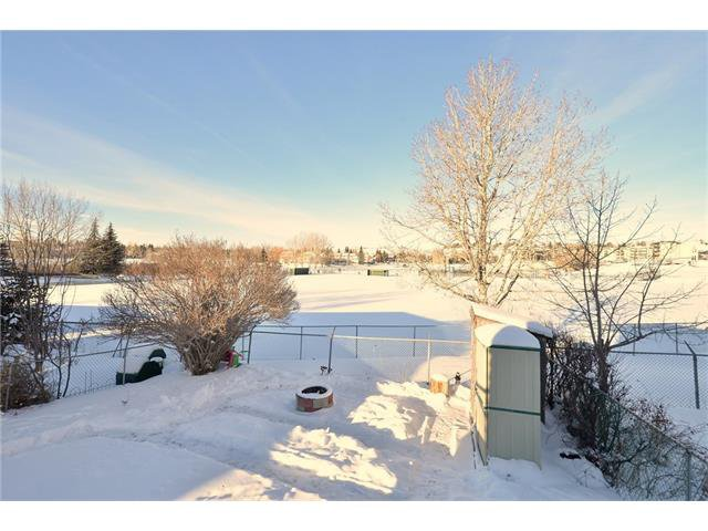 Photo 45: Photos: 10 GLENPATRICK Crescent: Cochrane House for sale : MLS®# C4094257