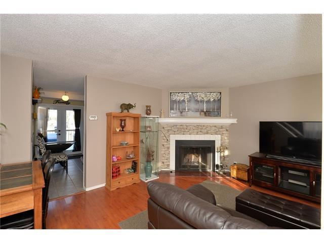 Photo 3: Photos: 10 GLENPATRICK Crescent: Cochrane House for sale : MLS®# C4094257