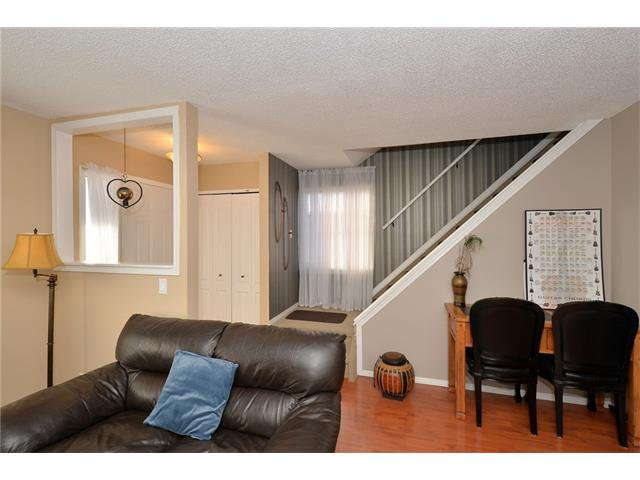 Photo 10: Photos: 10 GLENPATRICK Crescent: Cochrane House for sale : MLS®# C4094257