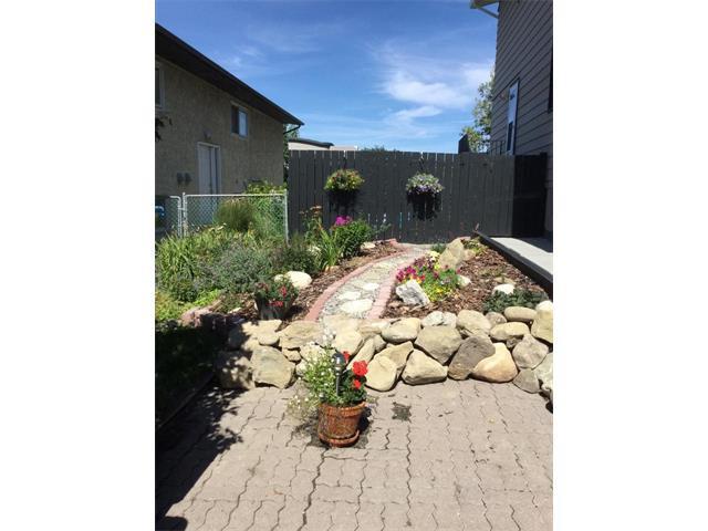 Photo 47: Photos: 10 GLENPATRICK Crescent: Cochrane House for sale : MLS®# C4094257