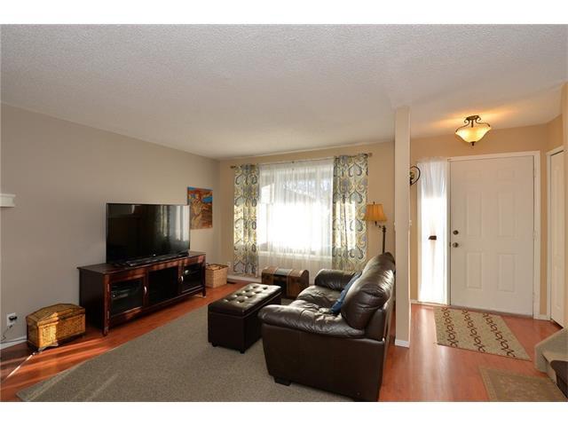 Photo 4: Photos: 10 GLENPATRICK Crescent: Cochrane House for sale : MLS®# C4094257