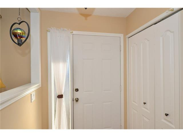 Photo 2: Photos: 10 GLENPATRICK Crescent: Cochrane House for sale : MLS®# C4094257