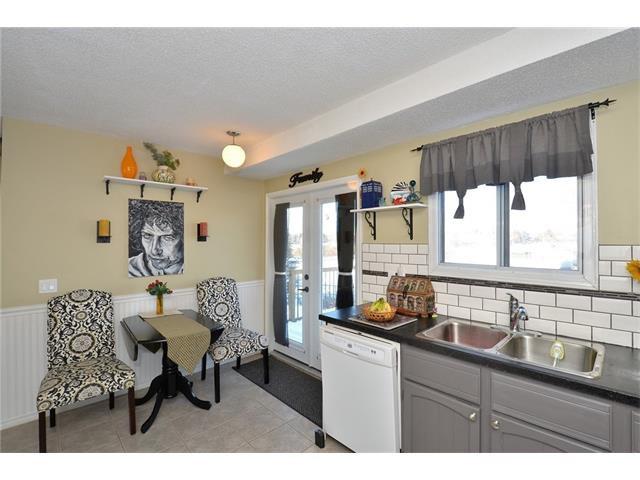 Photo 12: Photos: 10 GLENPATRICK Crescent: Cochrane House for sale : MLS®# C4094257