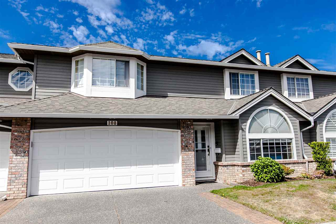"Main Photo: 108 6109 W BOUNDARY Drive in Surrey: Panorama Ridge Townhouse for sale in ""Lakewood Gardens"" : MLS®# R2197585"