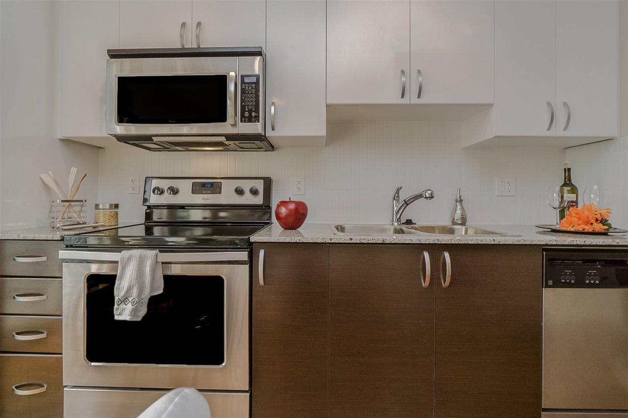 """Photo 6: Photos: 413 13728 108 Avenue in Surrey: Whalley Condo for sale in """"QUATTRO 3"""" (North Surrey)  : MLS®# R2204524"""