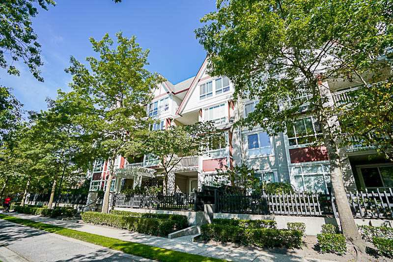 """Main Photo: 417 6833 VILLAGE GREEN in Burnaby: Highgate Condo for sale in """"CARMEL"""" (Burnaby South)  : MLS®# R2206766"""