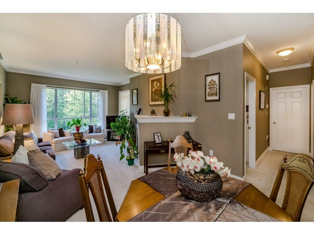 "Photo 5: Photos: 308 2985 PRINCESS Crescent in Coquitlam: Canyon Springs Condo for sale in ""PRINCESS GATE"" : MLS®# R2210208"
