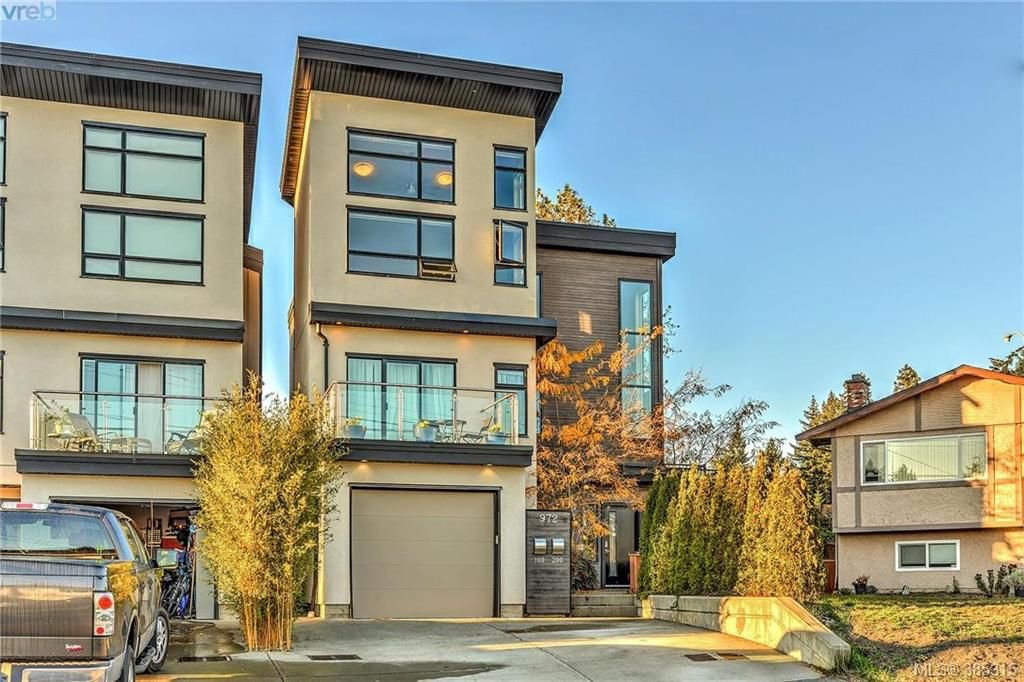 Main Photo: 100 972 Preston Way in VICTORIA: La Langford Proper Strata Duplex Unit for sale (Langford)  : MLS®# 385315