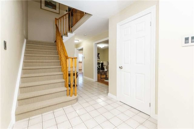 Photo 2: Photos: 3 Shenstone Avenue in Brampton: Heart Lake West House (2-Storey) for sale : MLS®# W4032870