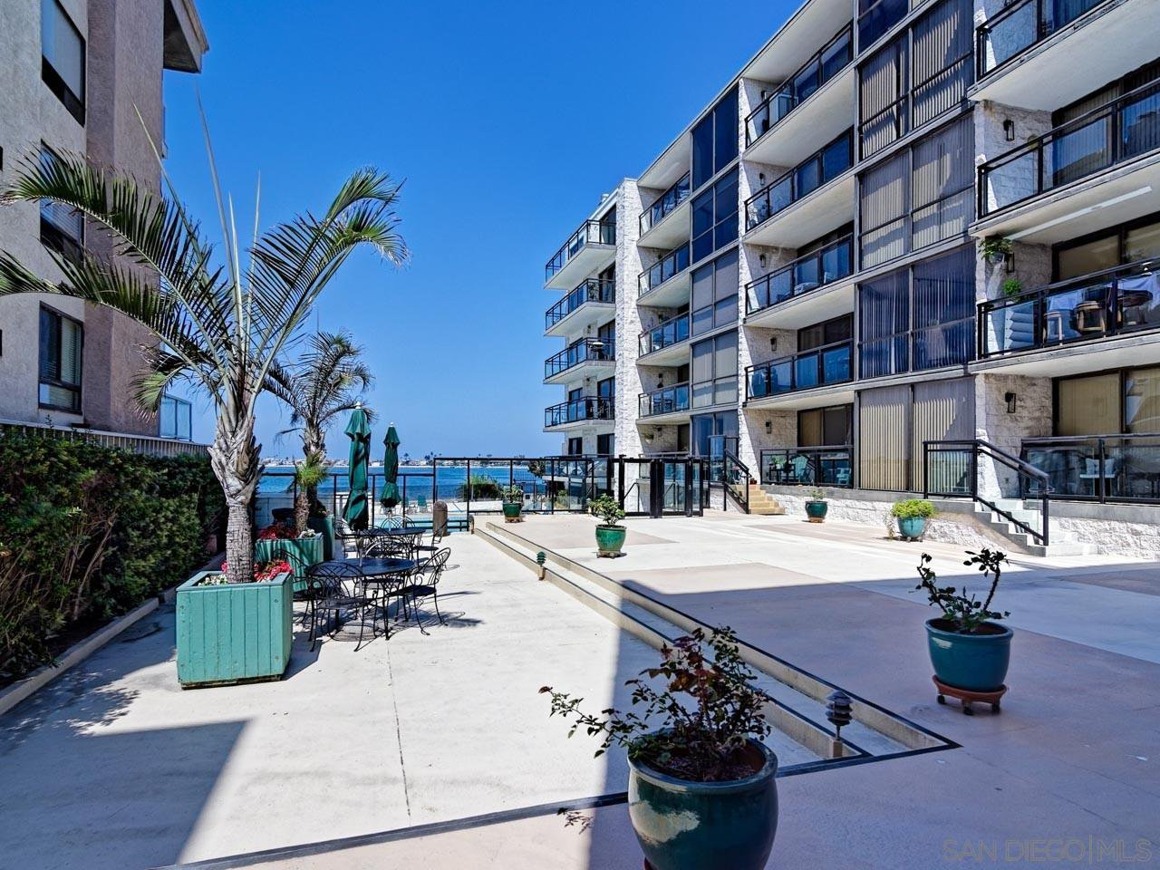 Main Photo: PACIFIC BEACH Condo for rent : 2 bedrooms : 3916 RIVIERA Drive #406 in San Diego