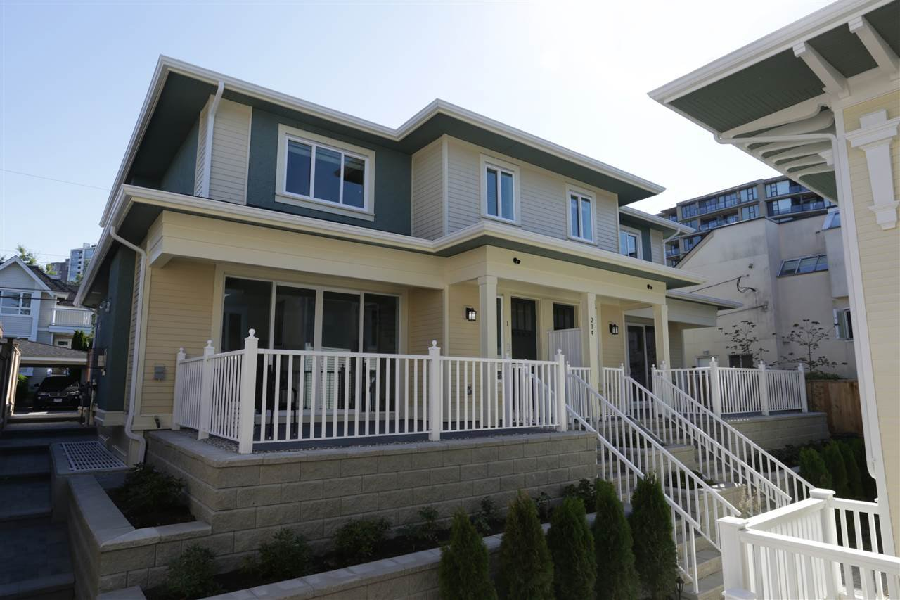 Main Photo: 1 214 W 6TH Street in North Vancouver: Lower Lonsdale 1/2 Duplex for sale : MLS®# R2306232