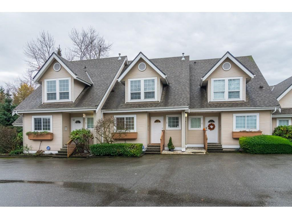 "Main Photo: 2 19948 WILLOUGHBY Way in Langley: Willoughby Heights Townhouse for sale in ""Cranbrook Court"" : MLS®# R2324566"