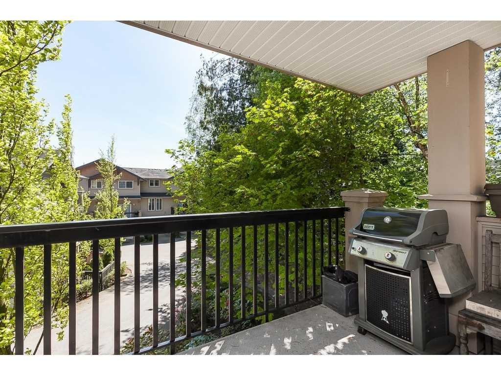 "Photo 3: Photos: 13 5839 PANORAMA Drive in Surrey: Sullivan Station Townhouse for sale in ""Forest Gate"" : MLS®# R2376657"