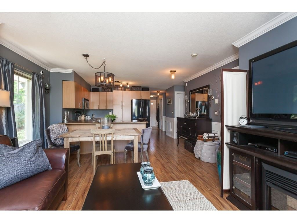 "Photo 12: Photos: 13 5839 PANORAMA Drive in Surrey: Sullivan Station Townhouse for sale in ""Forest Gate"" : MLS®# R2376657"