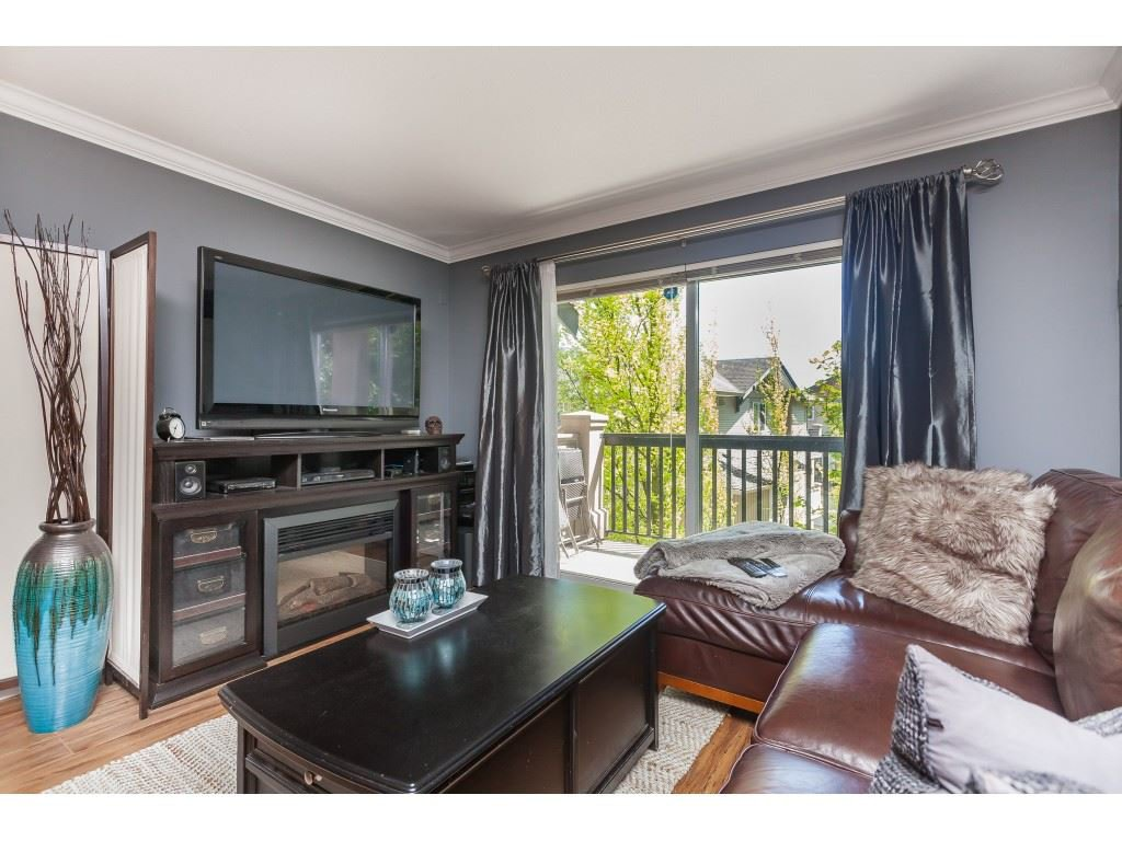 "Photo 10: Photos: 13 5839 PANORAMA Drive in Surrey: Sullivan Station Townhouse for sale in ""Forest Gate"" : MLS®# R2376657"