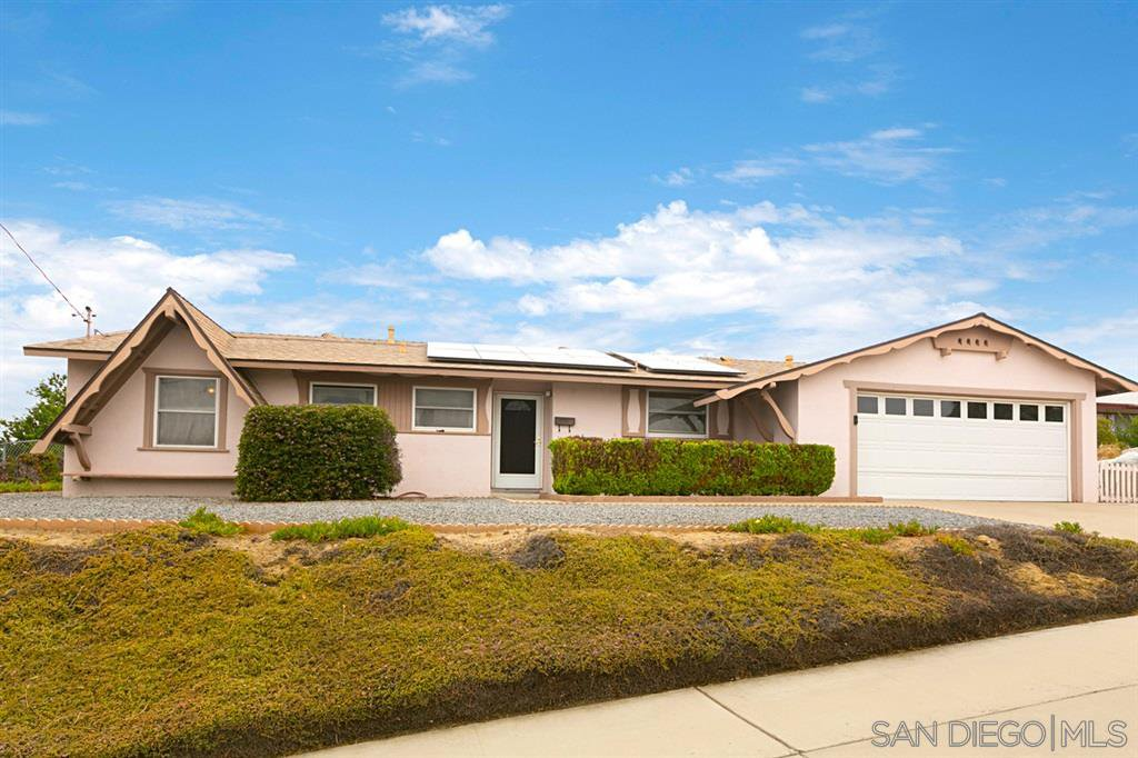 Main Photo: CHULA VISTA House for sale : 3 bedrooms : 826 David Dr.