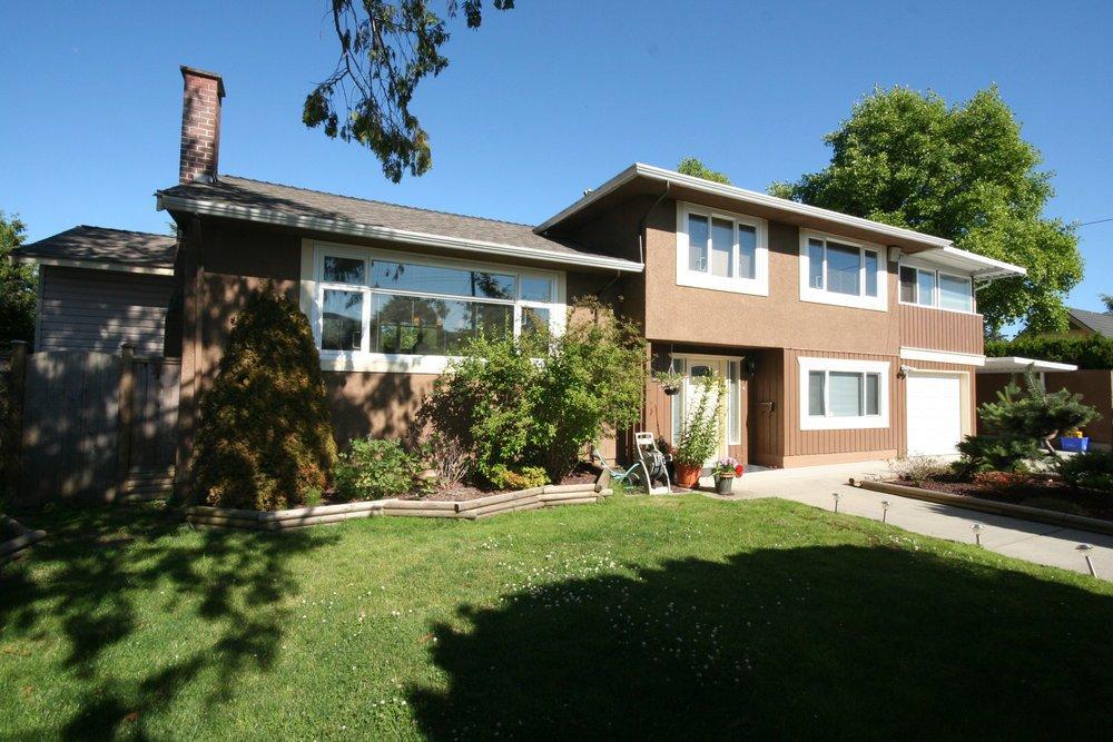 Main Photo: 9180 Oakmond Road in Richmond: Home for sale : MLS®# v899036