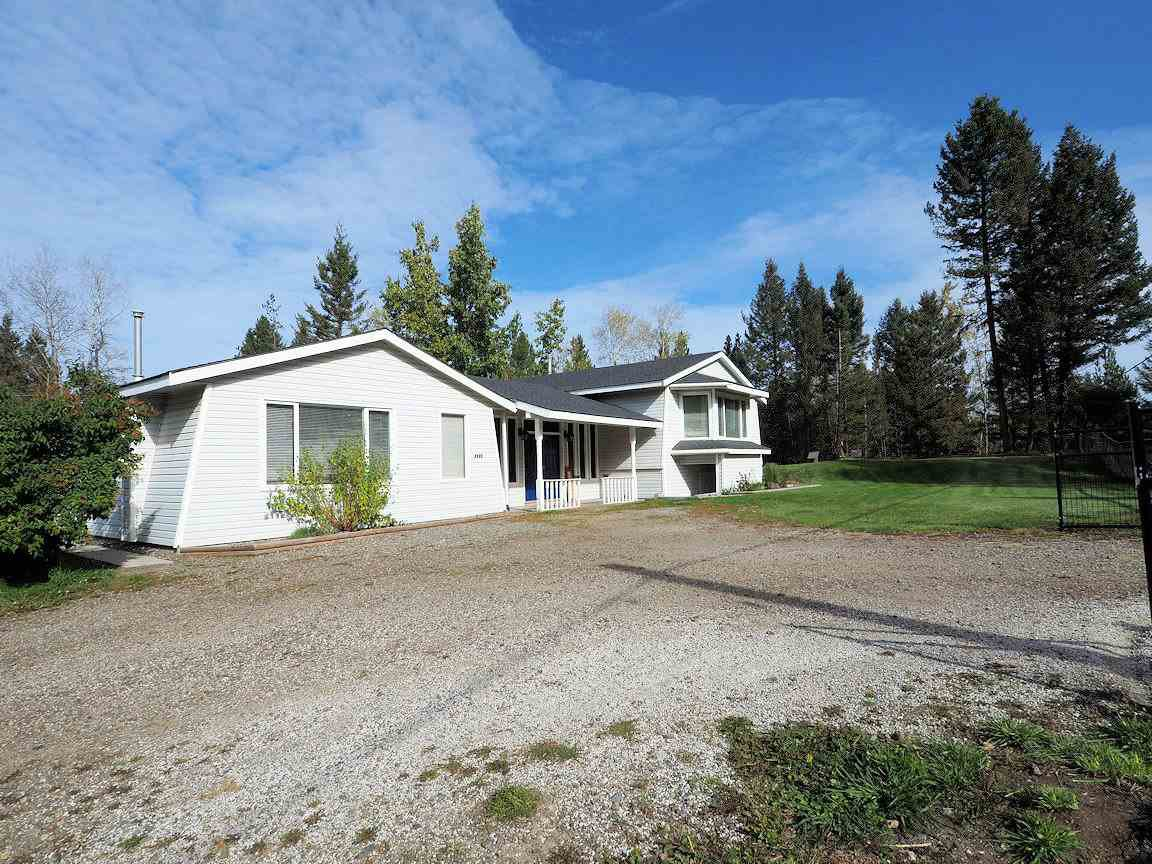 Main Photo: 6025 EASZEE Drive in 108 Mile Ranch: 108 Ranch House for sale (100 Mile House (Zone 10))  : MLS®# R2410349