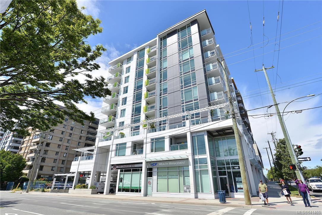 Main Photo: 405 1090 Johnson St in Victoria: Vi Downtown Condo Apartment for sale : MLS®# 841465
