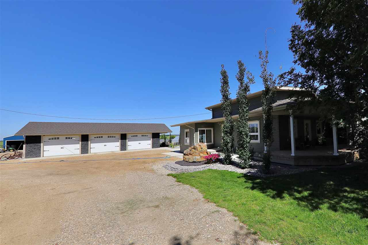 Main Photo: 233064 TWP RD 473: Rural Wetaskiwin County House for sale : MLS®# E4208037