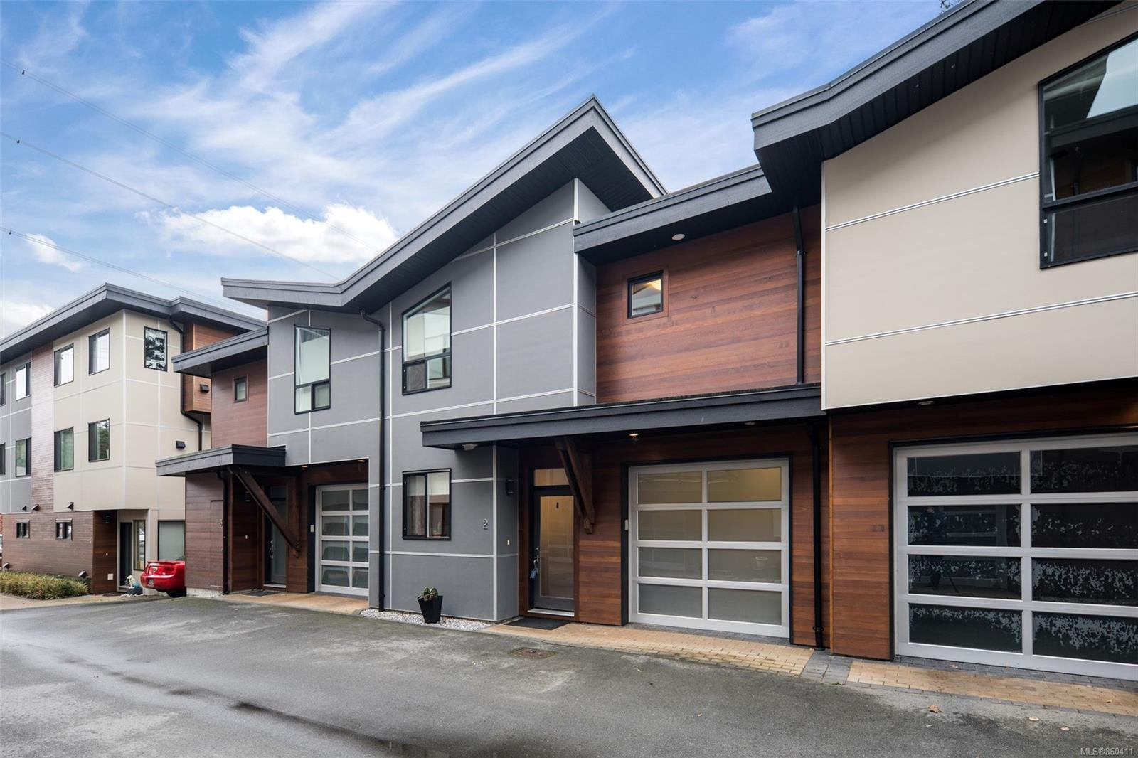 Main Photo: 2 2311 Watkiss Way in : VR Hospital Row/Townhouse for sale (View Royal)  : MLS®# 860411