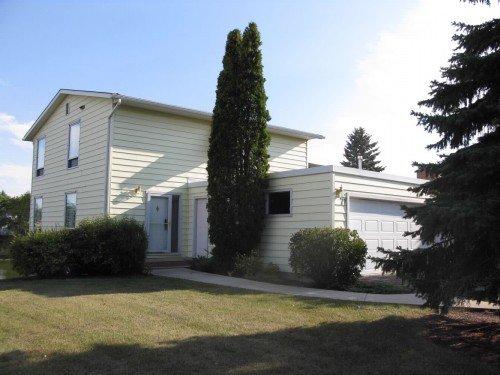 Main Photo: 71 Lakeshore Road in Winnipeg: Fort Garry / Whyte Ridge / St Norbert Single Family Detached for sale (South Winnipeg)  : MLS®# 1218752